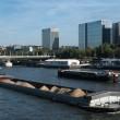 Des péniches et des barges
